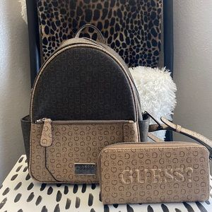 GUESS brown canvas back pack w/ matching wallet 😍
